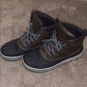 Men's Nike snow boots size 9.5